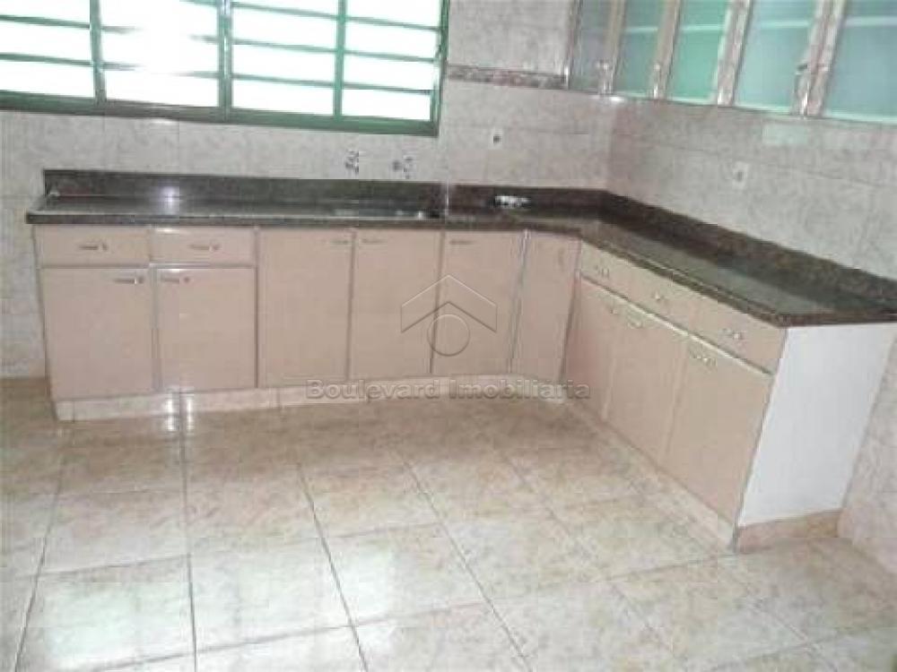 Alugar Casa / Padrão em Ribeirão Preto R$ 2.000,00 - Foto 7