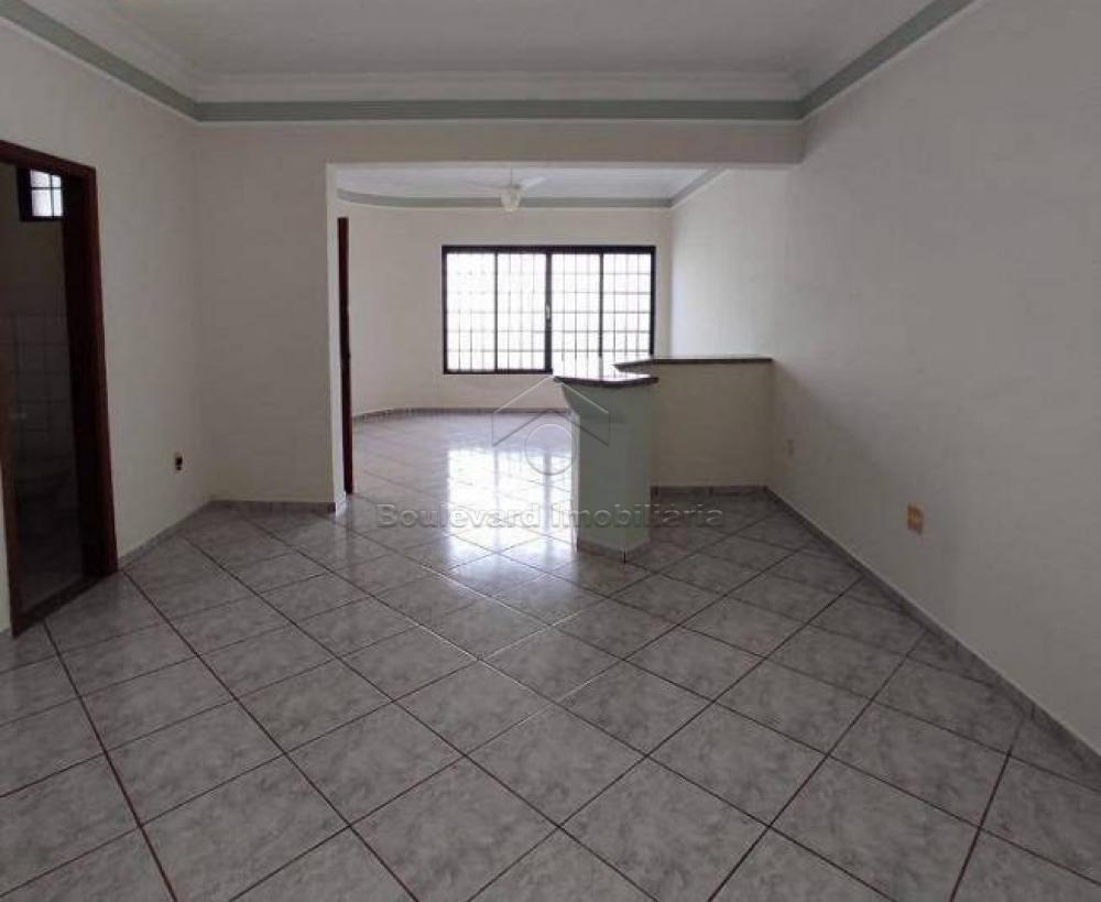 Alugar Casa / Padrão em Ribeirão Preto R$ 3.000,00 - Foto 8