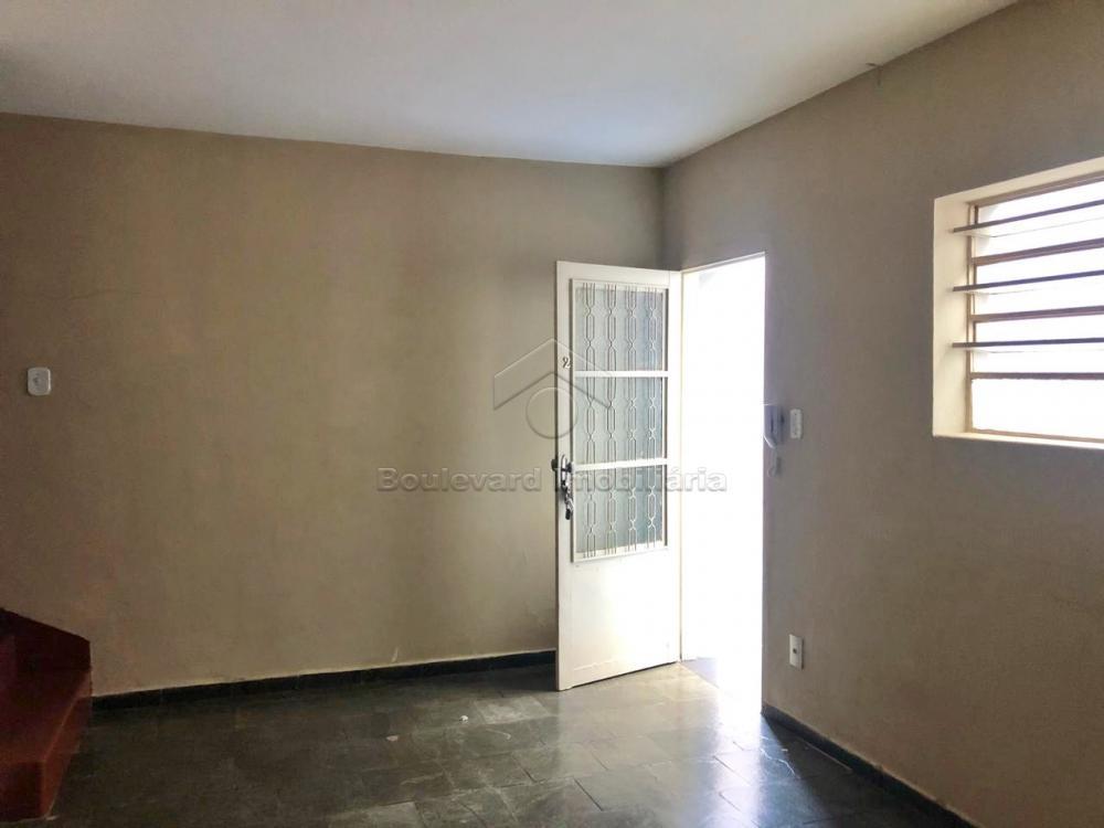 Alugar Casa / Padrão em Ribeirão Preto R$ 900,00 - Foto 2