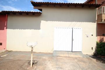 Alugar Casa / Padrão em Ribeirão Preto. apenas R$ 1.100,00