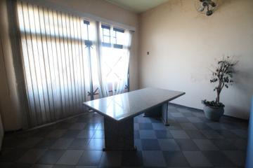 Alugar Casa / Padrão em Ribeirão Preto. apenas R$ 1.800,00
