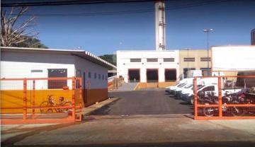 Comercial / Galpão em Ribeirão Preto Alugar por R$18.000,00