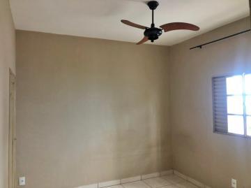 Alugar Casa / Padrão em Ribeirão Preto R$ 900,00 - Foto 5